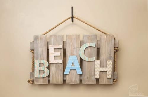 wood pallet wall art with rustic beach theme